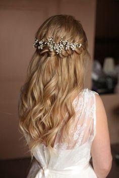 Pretty Waterfall Braid Half up half down hairstyle | fabmood.com #weddinghair #upstyle #halfuphalfdown #bridalhair #weddinghairstyle #halfdown #hairideas