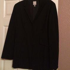 Beautiful lined blazer Beautiful lined blazer Anne Klein Jackets & Coats Blazers