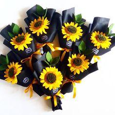 15k min order 3 ya kak   #felt_id #felt #feltflowers #feltgarland #feltbouquet #flanel #bungaflanel #bungaflaneljogja #buketflanel #buketflaneljogja #buketwisuda #buketpengantin #kadobunga #kadowisuda #handmade #handmadeisbetter #handmadewithlove #supporthandmade #craft #creatorslane #customflower #supportsmallbusiness #etsy #etsyindonesia #tapfordetails