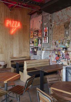 Gallery of Bráz Elettrica Pizza Restaurant / SuperLimão Studio - 14 Pizza Restaurant, Restaurant Booth, Pizzeria, Luxury Restaurant, Rustic Restaurant, Restaurant Ideas, Bar Interior, Restaurant Interior Design, Rustic Pizza
