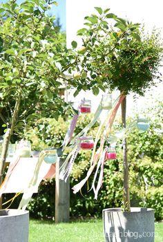 halbachblog I DIY I Sommer: Wachs-Windlichter selber gießen mit bunten Bändern und Spitze schmücken I ribbons I lace I summer I Partydeko I Dekoidee