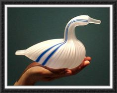 Rare Toikka bird in the hand! Joutsen Special edition of 30 for SOK Glass Birds, Swan, Glass Art, Sketches, Studio, Photography, Design, Drawings, Study