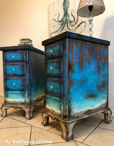 LOVE this stain/paint combo and weathered look! LOVE this stain/paint combo and weathered look! The post LOVE this stain/paint combo and weathered look! appeared first on Garden ideas - Upcycled Home Decor Rustic Painted Furniture, Funky Furniture, Refurbished Furniture, Paint Furniture, Repurposed Furniture, Furniture Projects, Furniture Makeover, Furniture Design, Dresser Furniture