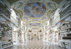 Reading a book in THIS library would sure be an enlightening experience 🙏 Pictured: Benediktinerstift Admont © Rafael Neff, LUMAS Beautiful Architecture, Beautiful Buildings, Interior Architecture, Library Architecture, Slytherin, Hogwarts, Arquitectura Wallpaper, Semperoper Dresden, Most Beautiful