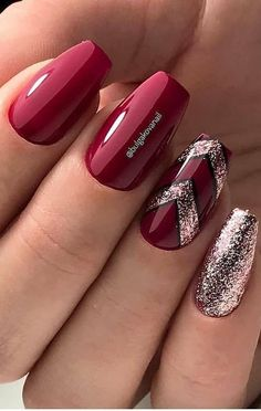 54+ Lovely and Trending Glitter Nail Designs for This Year