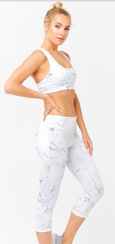 b2ef44cef2f14 love these marble print leggings and sports bra from forever21! #ad  #affiliate #