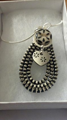 Lorraine's This2That: Metal Zipper Jewelry