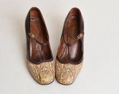 Vintage 60s MOD T Strap PUMPS / 1960s Brown Leather Snakeskin Shoes