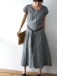 linen dress... gorgeous.