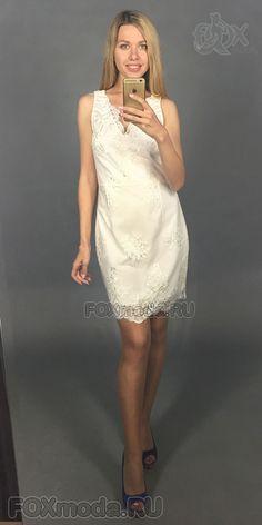 416c22949f5 Гипюровое платье футляр без рукавов. Фигурный вырез горловины. Сзади  молния. Невероятно изящно смотрятся