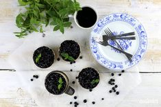 Karamelové mini cheesecaky - Coolinári | food blog Mini Cheesecakes, Panna Cotta, Ethnic Recipes, Food, Dulce De Leche, Essen, Meals, Yemek, Eten