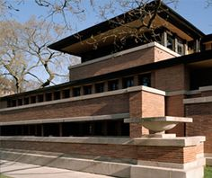 Robie House, 1908-1910 Frank Lloyd Wright University of Chicago Campus, Hyde Park. A prairie style architectural master piece