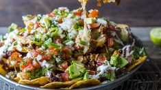 - Nachos med spicy kjøttdeig-chorizo og smeltet ost - Nachos with spicy beef mince and chorizo,melted cheese and tomato-chili-avocado-topping Spicy Recipes, Yummy Recipes, Snacks, Tex Mex, Chorizo, Couscous, Cobb Salad, Food To Make, Salsa