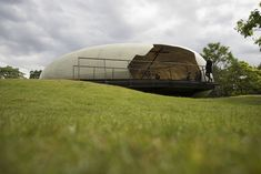 Translating Smiljan Radić's Serpentine Pavilion from Fantasy to Fabrication