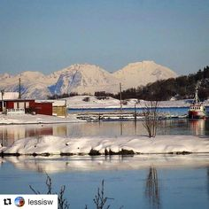 Det går mot våren. #reiseliv #reisetips #reiseråd #reiseblogger  #Repost @lessisw with @repostapp  A Quiet Moment Location: Bergsodden close to Harstad City28.02.17 View Grytøy Mountain Welcome March  #visitharstad #ig_nordnorge #northernnorway #norway2day #dreamynorway #delnorge #imagesofnorway #peeksofnorway #norway_photolovers #norgesbeste #tripogogo