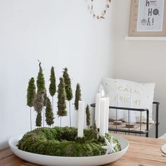 This year I'm going to try a moss wreath. Fir trees are always sooo fast and dry. Of course only if the candles are out 😉 . Decoration Christmas, Decoration Table, Xmas Decorations, Christmas Wreaths, Christmas Crafts, Holiday Decor, Advent Wreaths, Christmas Stockings, Classy Christmas