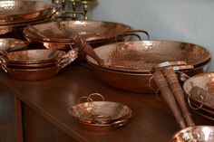 Objetos de cobre artesanias-de-chile-cobre Copper Tub, Copper Rose, Natural Kitchen, Copper Kitchen, Champagne Color, Dinner Sets, Kitchen Items, Kitchen Living, Campinas