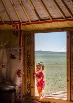 La Mongolie, le pays du ciel bleu Le Désert de Gobi. Tout le monde en a déjà entendu parler mais peu savent réellement de quoi il en r...