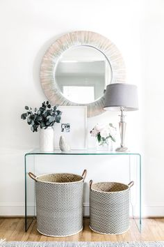 Vintage Interior Design How To Style an Acrylic Table in an Entryway Home Design, Interior Design Tips, Modern House Design, Design Ideas, Interior Ideas, Interior Styling, Design Design, Design Projects, Vintage Home Decor