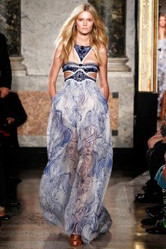 Emilio Pucci Spring 2011 Ready-to-Wear Fashion Show - Toni Garrn