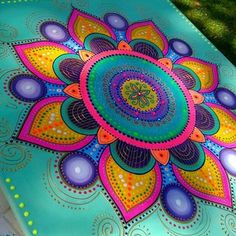 Mandala Art, Mandala Painting, Dot Art Painting, Tole Painting, Tattoo Shoulder Men, Hand Painted Furniture, Quilting Projects, Painting Inspiration, Painted Rocks