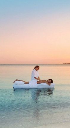 The #beach #massage you dream about #vacation  Source || Pinterest  #spa #beauty
