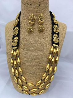 Items similar to Indian Kundan Jewelry Set, Gold Plated Designer Kundan Bridal Wear Necklace , Earring , Party wear set,Bollywood style Bridal Necklace on Etsy Kundan Jewellery Set, Fashion Jewelry Necklaces, Fashion Necklace, Jewelry Sets, Beaded Jewelry, Beaded Necklace, Gold Jewelry, Necklace Set, Diy Jewelry