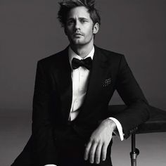 What more do you need? Good looking man, suit, scruff. I'm a happy lady