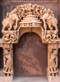 Temple India, Jain Temple, Temple Architecture, Indian Architecture, Wood Carving Art, Stone Carving, Lord Ganesha Paintings, Clay Art Projects, Temple Design