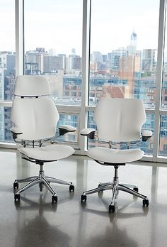 Freedom Task Chair - Product Page: http://www.genesys-uk.com/Freedom-Task-Chair.Html Genesys Office Furniture Homepage: http://www.genesys-uk.com The Freedom Task Chair is designed to complement any space and integrate effortlessly into the modern office, offering comfort, style and complete ease of use.