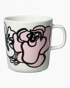 Marimekko - Oiva Eläköön Elämä Mug Marimekko, Flower Pattern Design, Flower Patterns, Kitchen Essentials, Brighten Your Day, Mug Cup, Scandinavian Design, Red And Pink, Green Colors