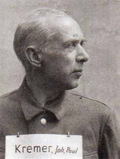 Johann Paul Kremer, Lagerarzt in Auschwitz, 1883 - 1965, Er hat während seiner Zeit , in der Er in Auschwitz an Menschen Experimente durchführte Tagebuch geschrieben.