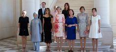 Σύνοδος ΝΑΤΟ: Εννιά Πρώτες Κυρίες και ένας Πρώτος Κύριος -Ο σύζυγος του πρωθυπουργού του Λουξεμβούργου [εικόνα]