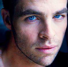 Chris Pine, Eyes!