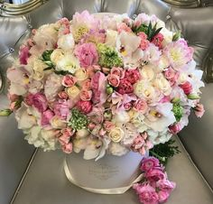 Happy International Womens Day to all of the beautiful and strong women ALL over the World! Amazing Flowers, Beautiful Roses, Fresh Flowers, Pink Flowers, Beautiful Flowers, Beautiful Flower Arrangements, Floral Arrangements, Flower Boutique, Fresh Flower Delivery