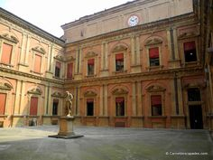 "Palazzo Poggi - ""Visite de la sympathique Bologne"" by @carnetdescapade"