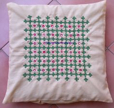 I want to purchase this cussion cover Cushion Embroidery, Hand Embroidery Videos, Embroidery On Clothes, Hand Work Embroidery, Flower Embroidery Designs, Indian Embroidery, Hand Embroidery Stitches, Embroidery Techniques, Ribbon Embroidery
