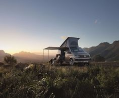 Volkswagen has unveiled the newest edition to their Transporter van collection, lovingly known as vanagons, with the California camper. The successor to the old-school Westfalia bus, the California … Vw California Camper, Vw California Beach, Mercedes Benz Vito, Transporter Van, Volkswagen Transporter, Vw T5, Chrysler Voyager, Vw Camper, Eurovan Camper