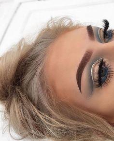 Eye Makeup Tips.Smokey Eye Makeup Tips - For a Catchy and Impressive Look Glam Makeup, Eyeshadow Makeup, Makeup Inspo, Makeup Inspiration, Beauty Makeup, Eyeshadows, Sparkly Eyeshadow, Purple Eyeliner, Pigment Eyeshadow