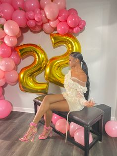 18th Birthday Outfit, Cute Birthday Outfits, Birthday Goals, 23rd Birthday, Birthday Ideas, Birthday Cake, Glam Photoshoot, Photoshoot Themes, Cute Birthday Pictures