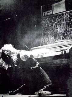 Keith Emerson with his Moog modular synthesizer 70s
