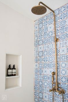 Studio Lifestyle // Bathroom with blue and white Cement Tile