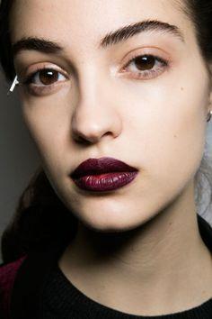 trend-make-up-labbra-scure-2016-fashion-week