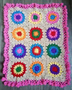 "11 Likes, 1 Comments - Demi Grace (@eweandicrochet) on Instagram: ""Boho Burst blanket is finished. I adored making this blanket using chunky @paintboxyarns. ☀ .…"""