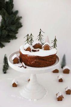 78 Classic Christmas Cake Decorating Ideas - Chicbetter Inspiration for Modern Women Christmas Cake Decorations, Christmas Desserts, Christmas Treats, Christmas Baking, Christmas Cookies, Christmas Recipes, Christmas Mood, Noel Christmas, Simple Christmas