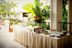 Halekulani Wedding, Hawaii wedding, Hau Terrace, Wedding reception at Hau Terrace, wedding directing by La Bella Bridal,