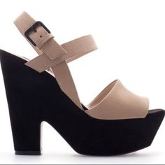 Two toned Zara heels Black chunky heel with nude straps. Matches with everything and so easy to walk in! Zara Shoes Heels