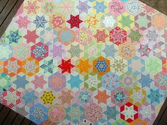 This specific photograph (red pepper quilts hand pieced hexagon quilt Elegant Hand Pieced Quilt Patterns) above is usually cl Star Quilts, Quilt Blocks, Quilting Projects, Quilting Designs, Hexagon Quilt, English Paper Piecing, Quilt Tutorials, Quilt Making, Quilt Patterns