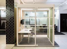 Transparenter Raum in Raum Arbeitsplatz