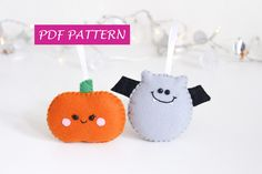 Halloween PDF pattern Pumpkin and Bat ornaments, digital file, spooky kawaii PDF pattern only! This is not a finished item! This PDF will show you how to realize this funny ornaments! Have fun realizing these two Halloween ornaments! You can hang them in your house or you can make a super